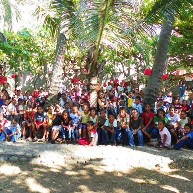Beach Community Party (2)